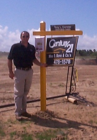 Tony Cornner is a real estate agent with CENTURY 21 Mike D. Bono & Co's